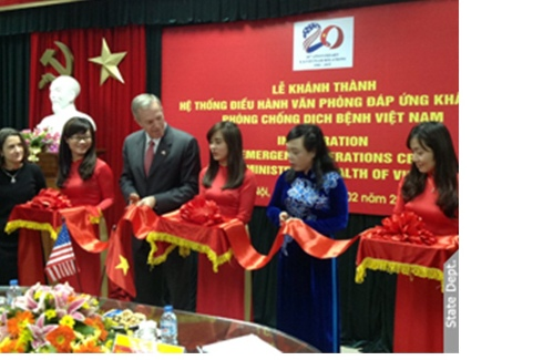 U.S. Ambassador Osius and Minister of Health Tien Inaugurate Vietnam's Ministry of Health Emergency Operations Center
